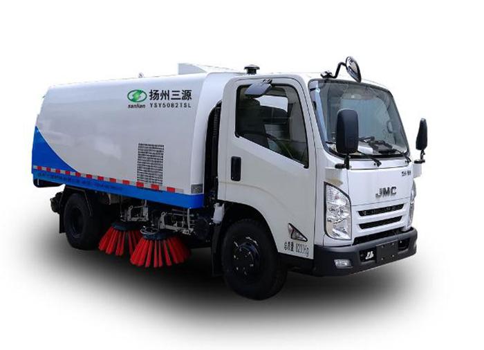 驾驶扫地车工作时要注意哪些方面?